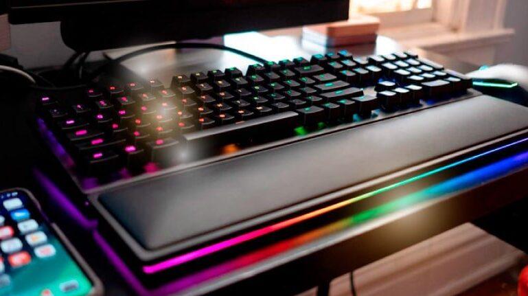 teclados gamer